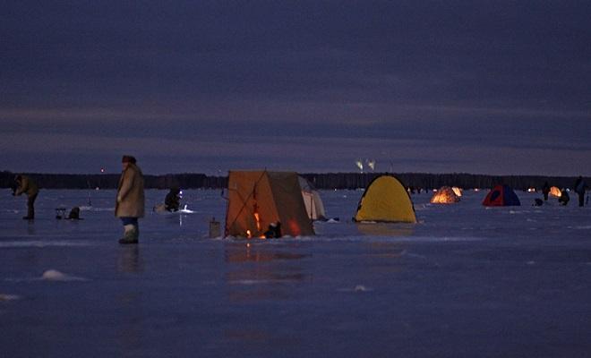 Ночная зимняя рыбалка