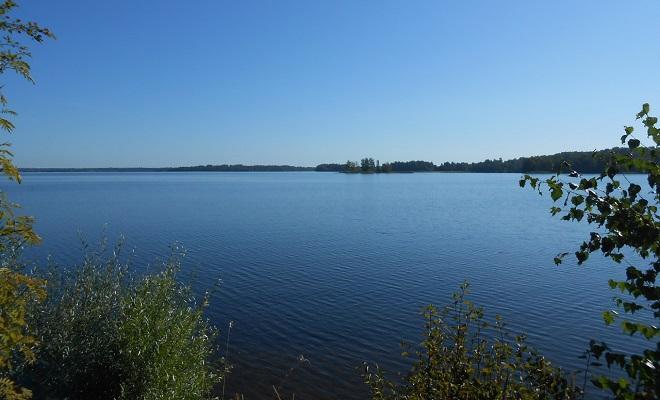 Вид озеро Велье
